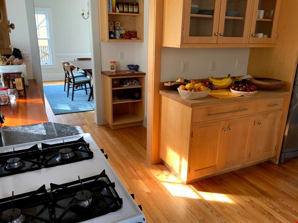 Quiet house next to Cascadilla Gorge, 5 minutes walk to Cornell Campus Home Rental in Ithaca 2 - thumbnail