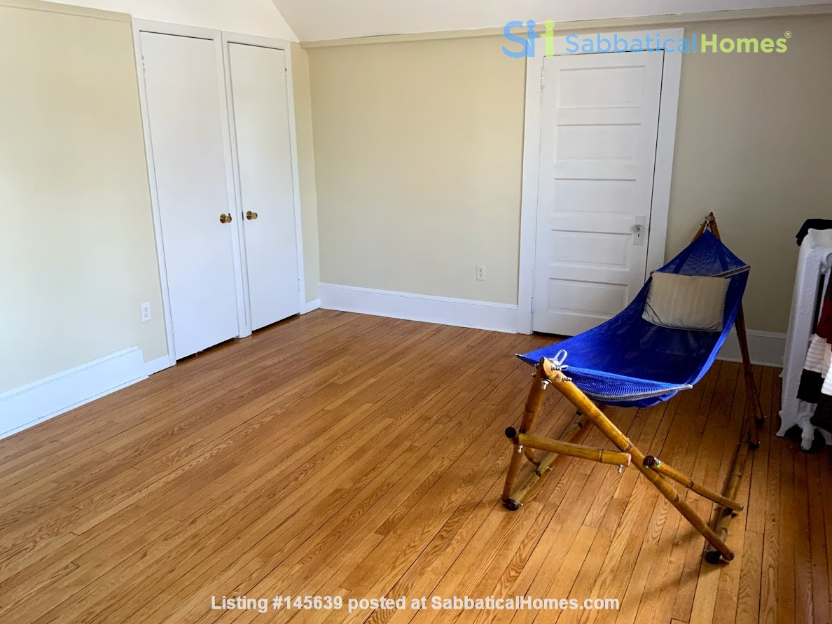 Quiet house next to Cascadilla Gorge, 5 minutes walk to Cornell Campus Home Rental in Ithaca, New York, United States 7