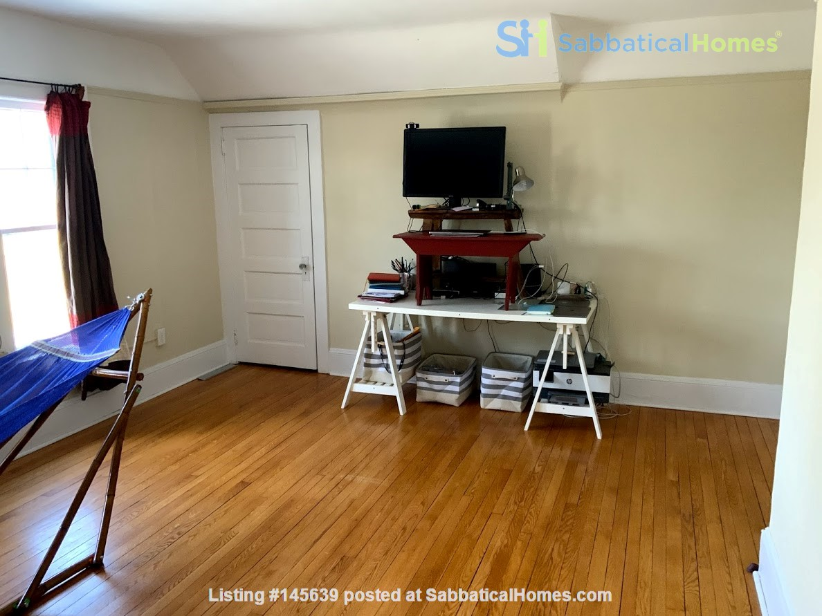 Quiet house next to Cascadilla Gorge, 5 minutes walk to Cornell Campus Home Rental in Ithaca, New York, United States 8