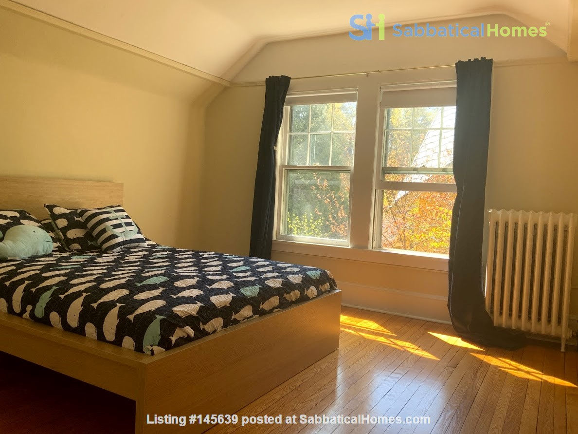 Quiet house next to Cascadilla Gorge, 5 minutes walk to Cornell Campus Home Rental in Ithaca, New York, United States 9