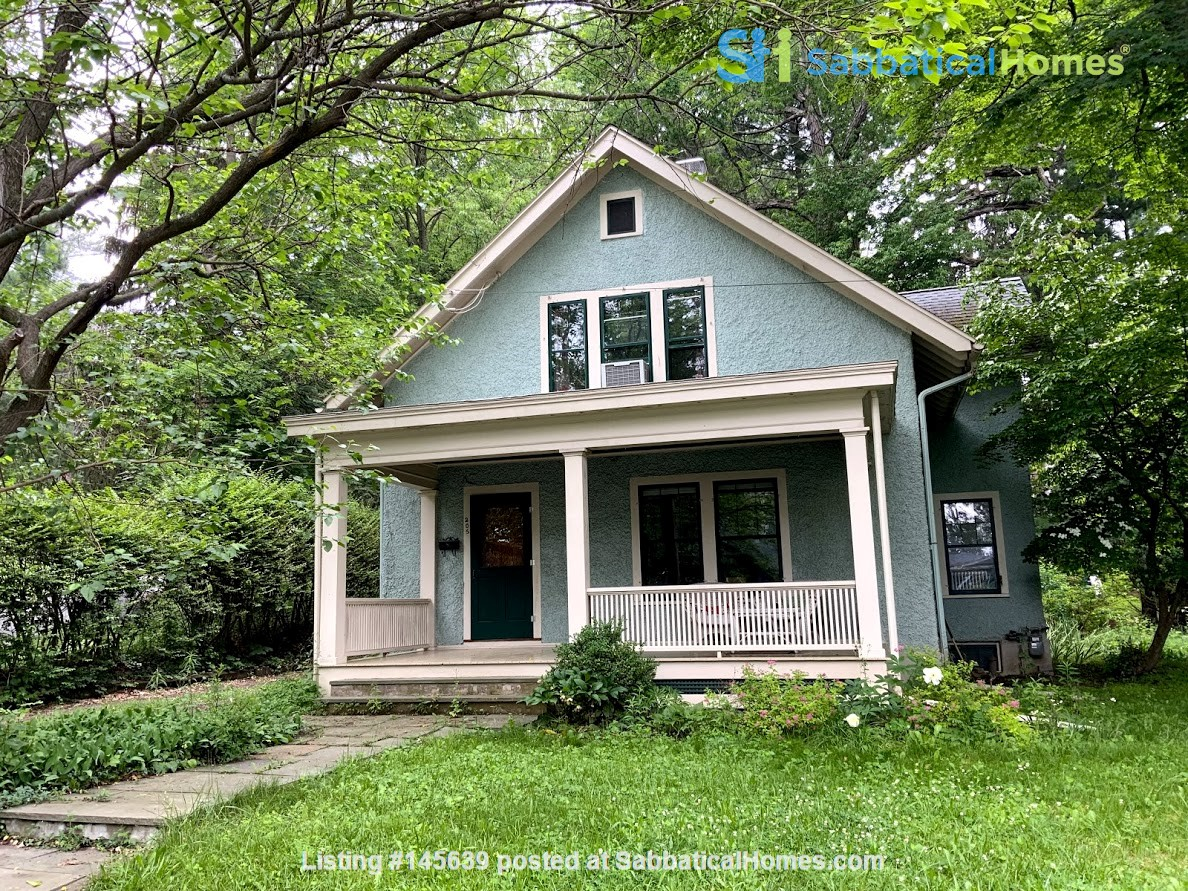 Quiet house next to Cascadilla Gorge, 5 minutes walk to Cornell Campus Home Rental in Ithaca, New York, United States 0
