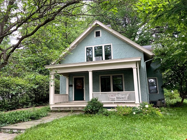 Quiet house next to Cascadilla Gorge, 5 minutes walk to Cornell Campus Home Rental in Ithaca 0 - thumbnail