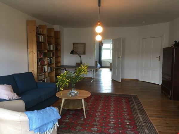 Beautiful, spacious flat, near Kollwitzplatz Home Rental in Berlin 3 - thumbnail
