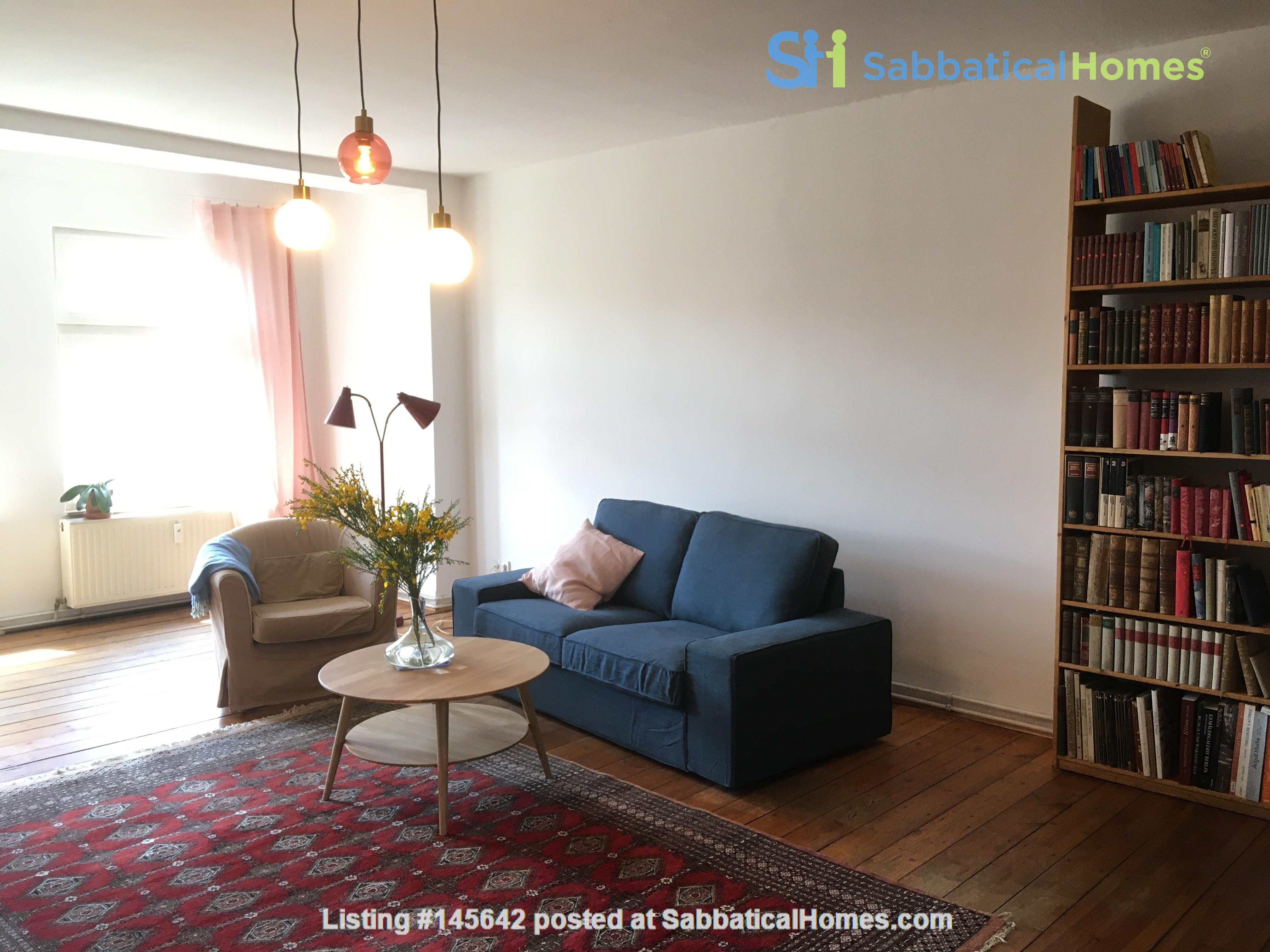 Beautiful, spacious flat, near Kollwitzplatz Home Rental in Berlin, Berlin, Germany 1