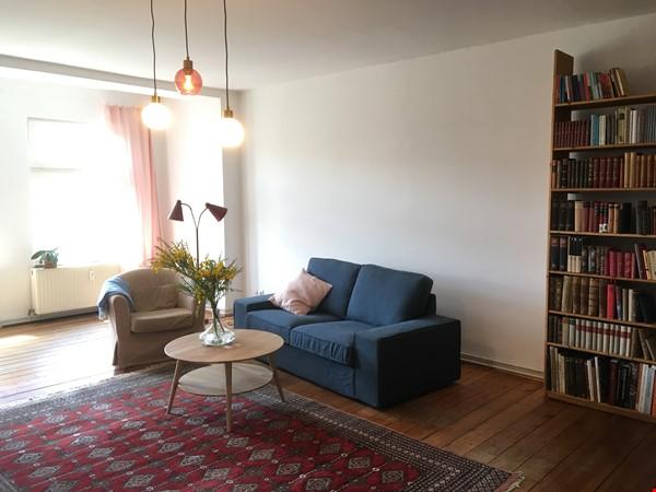 Beautiful, spacious flat, near Kollwitzplatz Home Rental in Berlin 1 - thumbnail