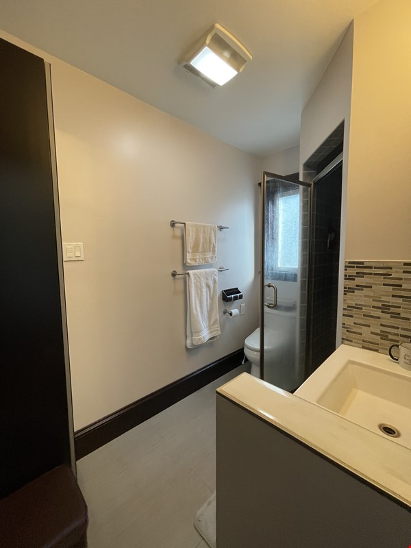 Renovated home close to Tufts & Harvard Home Rental in Somerville 7 - thumbnail