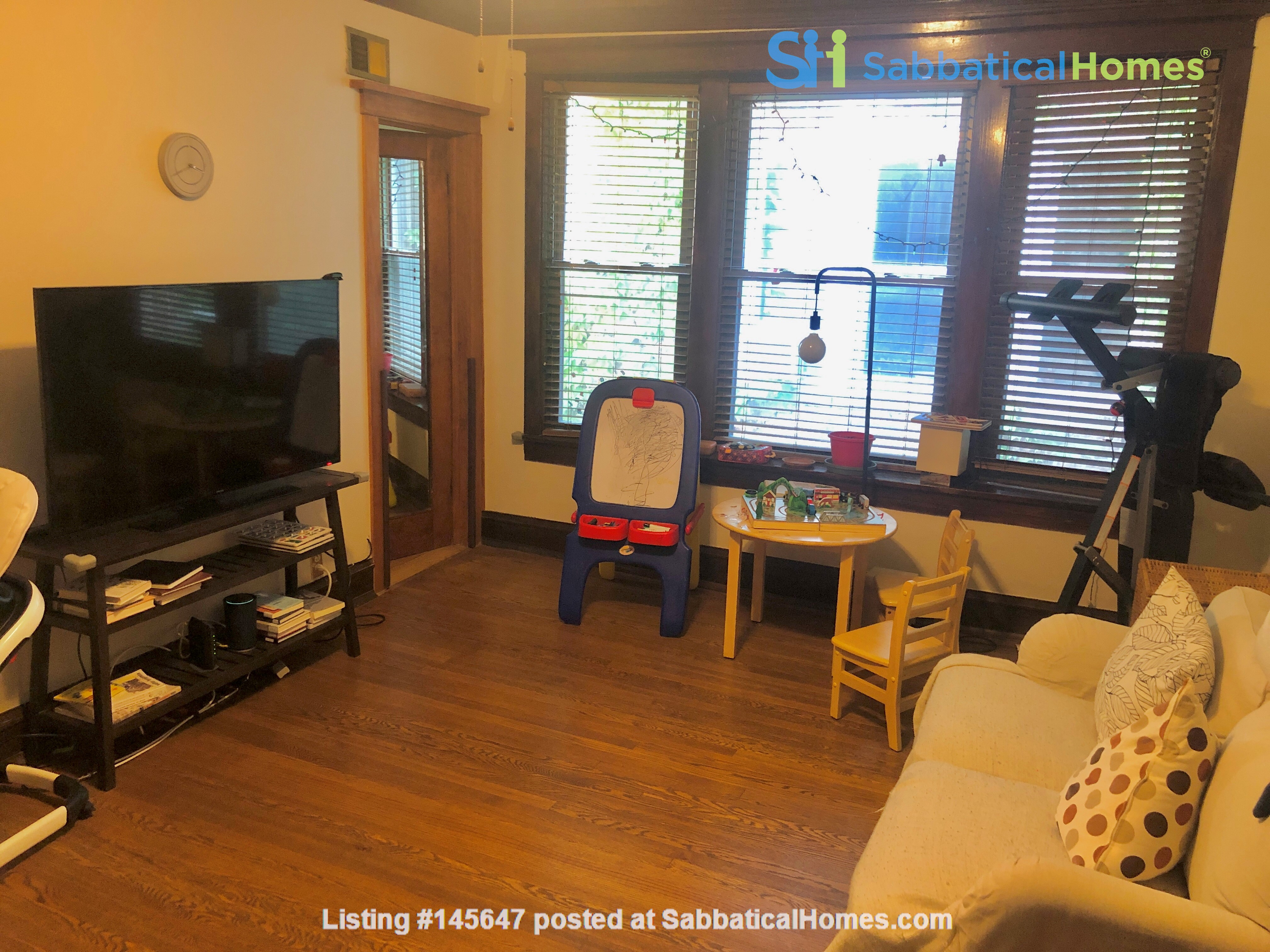 perfect condo across streets from UC Home Rental in Chicago, Illinois, United States 6