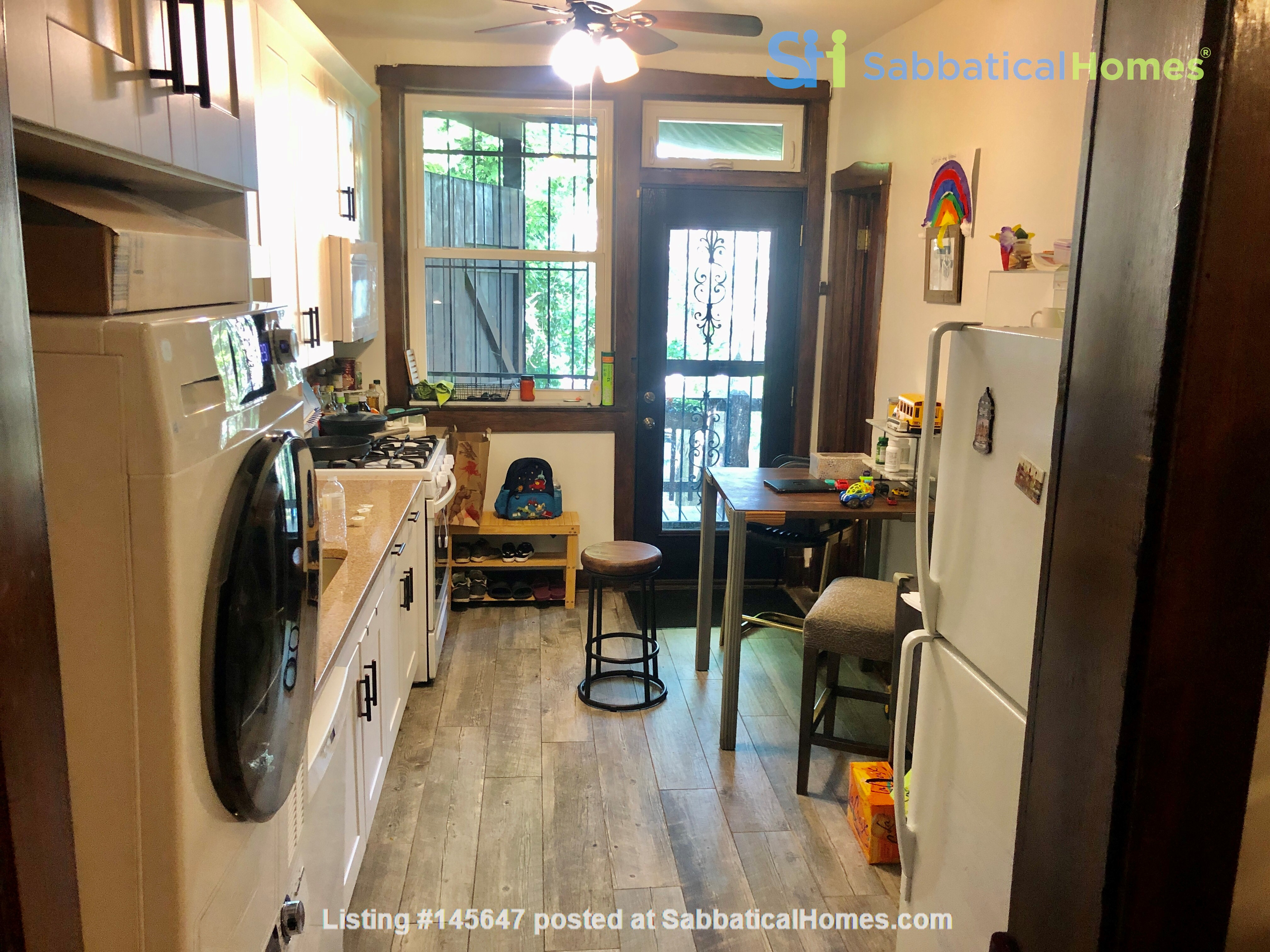 perfect condo across streets from UC Home Rental in Chicago, Illinois, United States 8