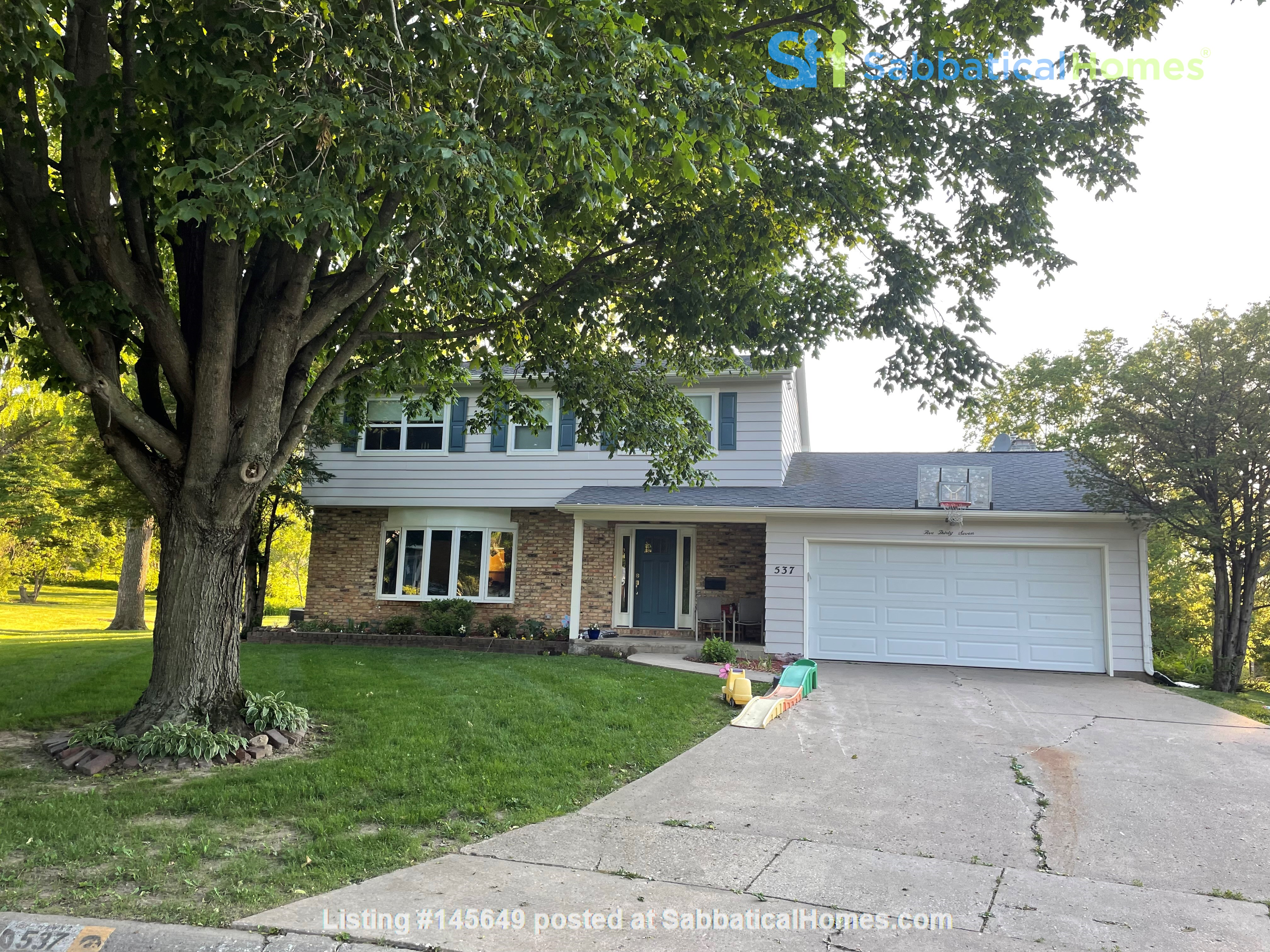 Large, newly renovated house close to UIHC, U of IA Home Rental in Iowa City, Iowa, United States 0