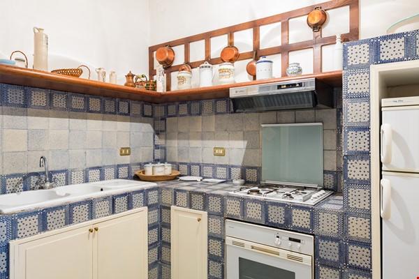 EMMA SPAGNA APARTMENT Home Rental in Roma 1 - thumbnail