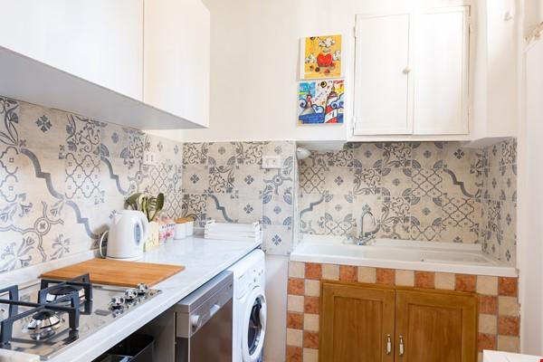 SARA CAMPO DEI FIORI APARTMENT Home Rental in Roma 3 - thumbnail