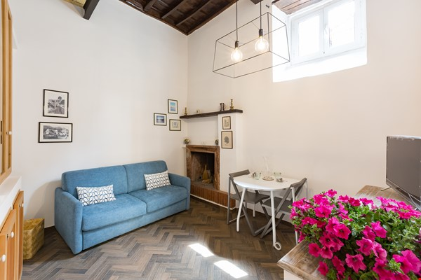 SARA CAMPO DEI FIORI APARTMENT Home Rental in Roma 2 - thumbnail