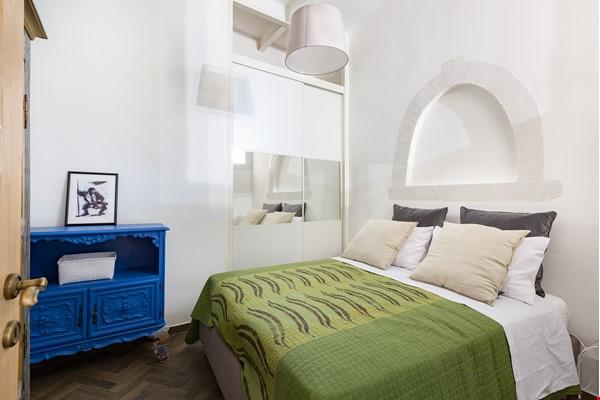 SARA CAMPO DEI FIORI APARTMENT Home Rental in Roma 0 - thumbnail