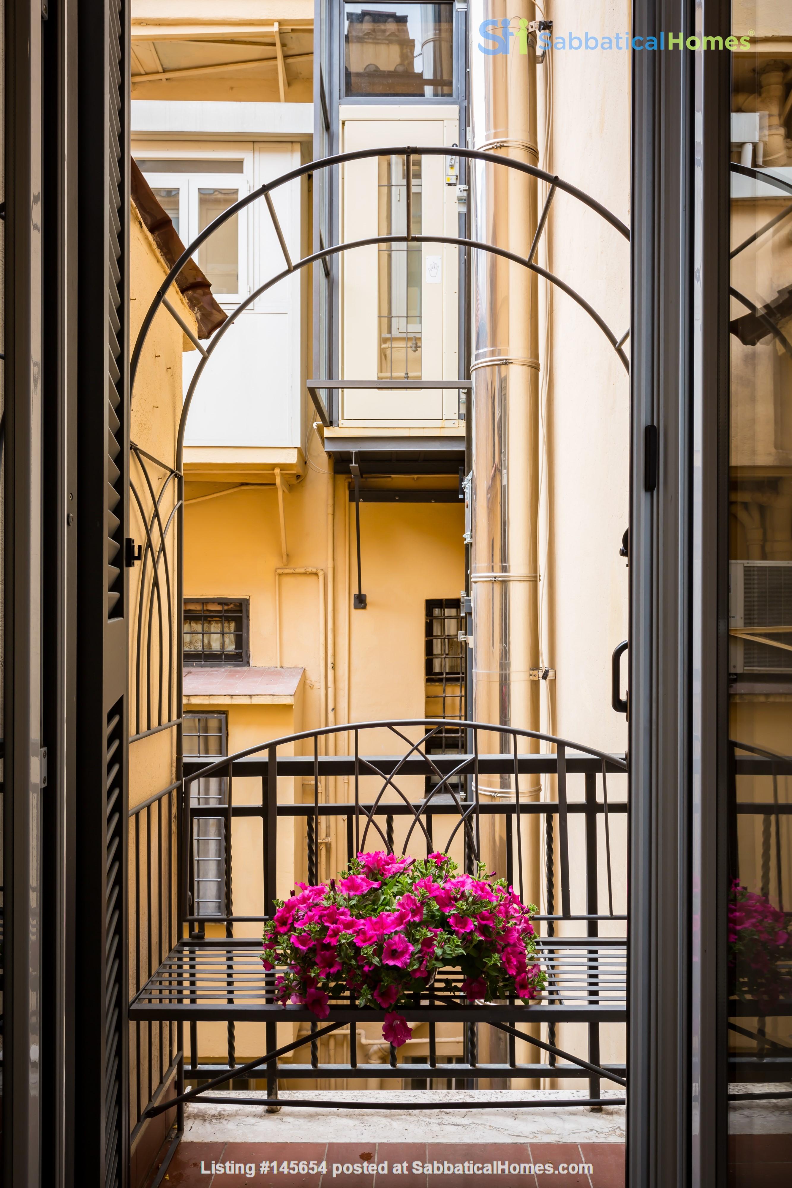 SARA CAMPO DEI FIORI APARTMENT Home Rental in Roma, Lazio, Italy 9