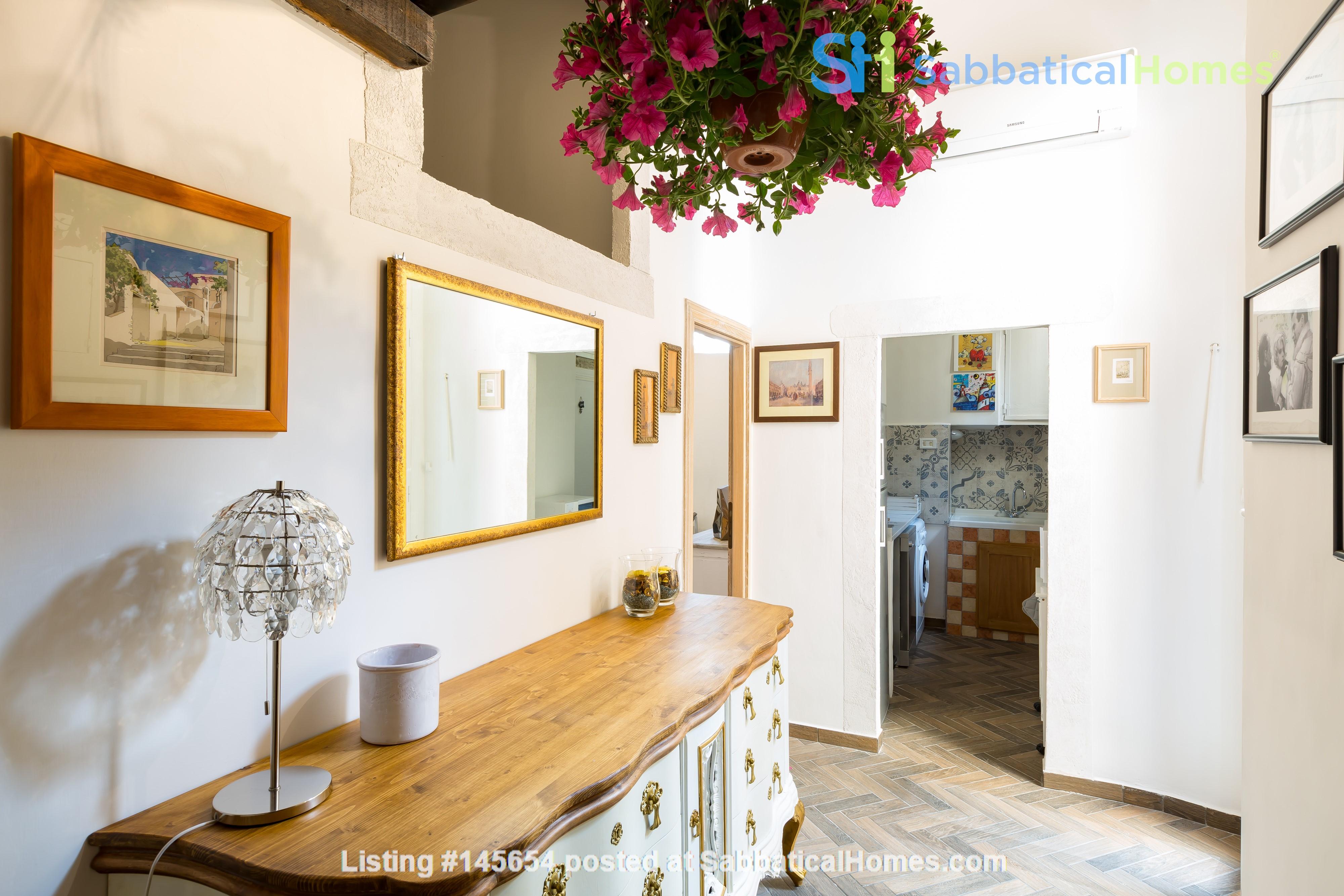 SARA CAMPO DEI FIORI APARTMENT Home Rental in Roma, Lazio, Italy 1