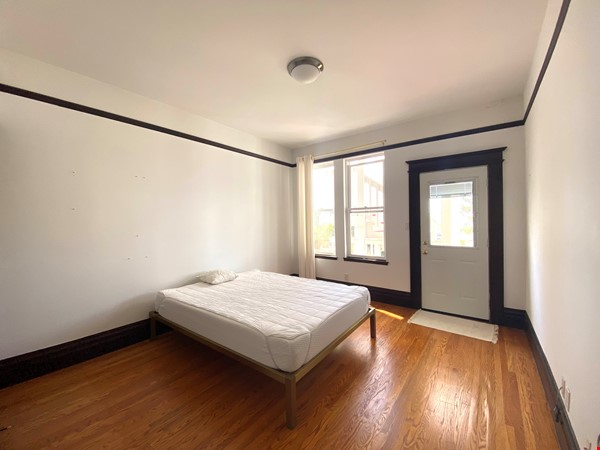 Room in Beautiful Lower Haight Victorian Home Rental in SF 2 - thumbnail