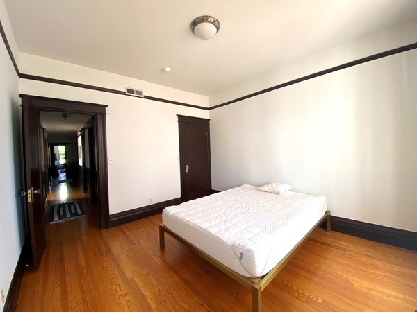 Room in Beautiful Lower Haight Victorian Home Rental in SF 8 - thumbnail