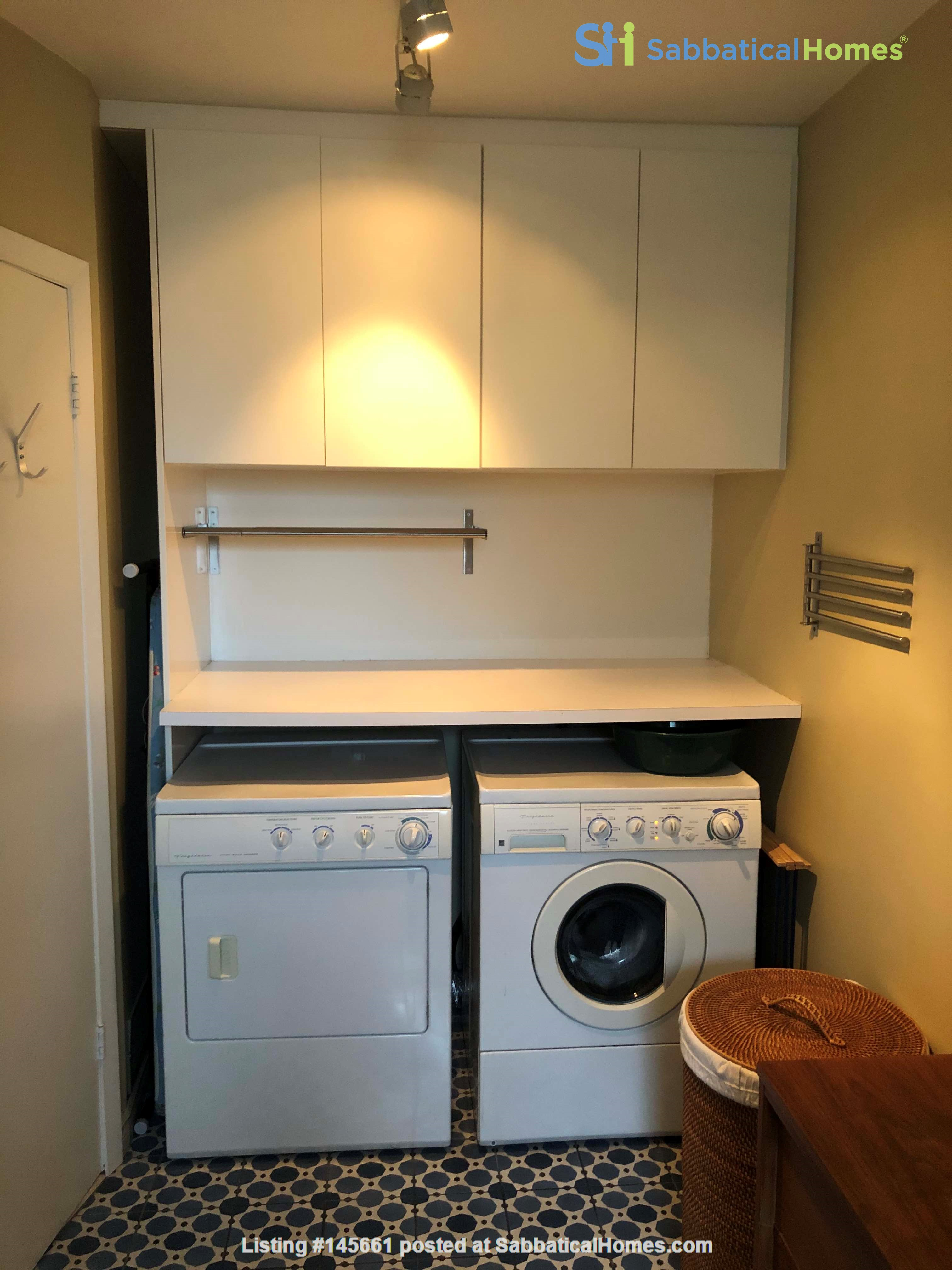 Beautiful fully furnished 2 BR in Vieux-Rosemont Home Rental in Montréal, Québec, Canada 5