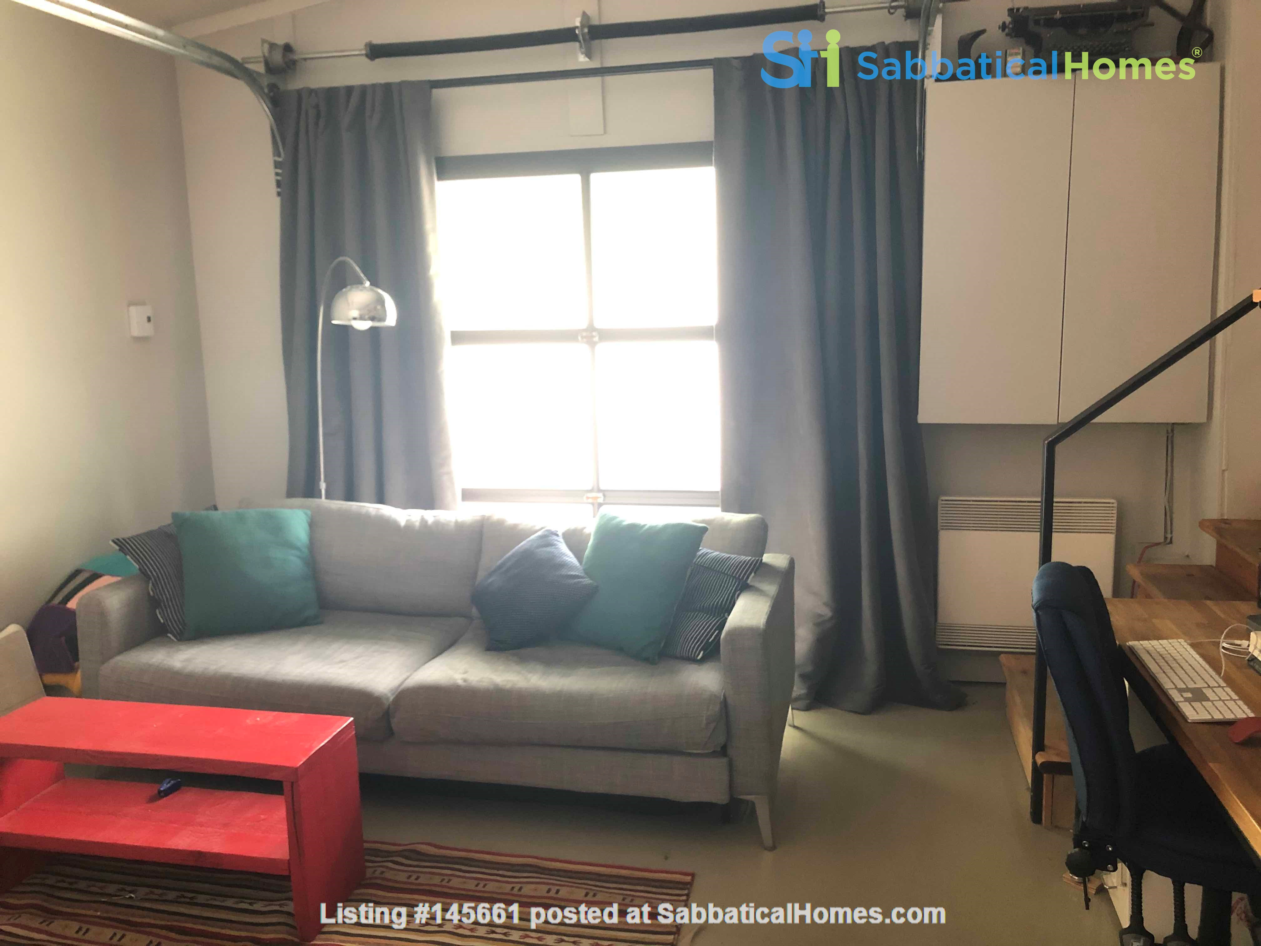 Beautiful fully furnished 2 BR in Vieux-Rosemont Home Rental in Montréal, Québec, Canada 6