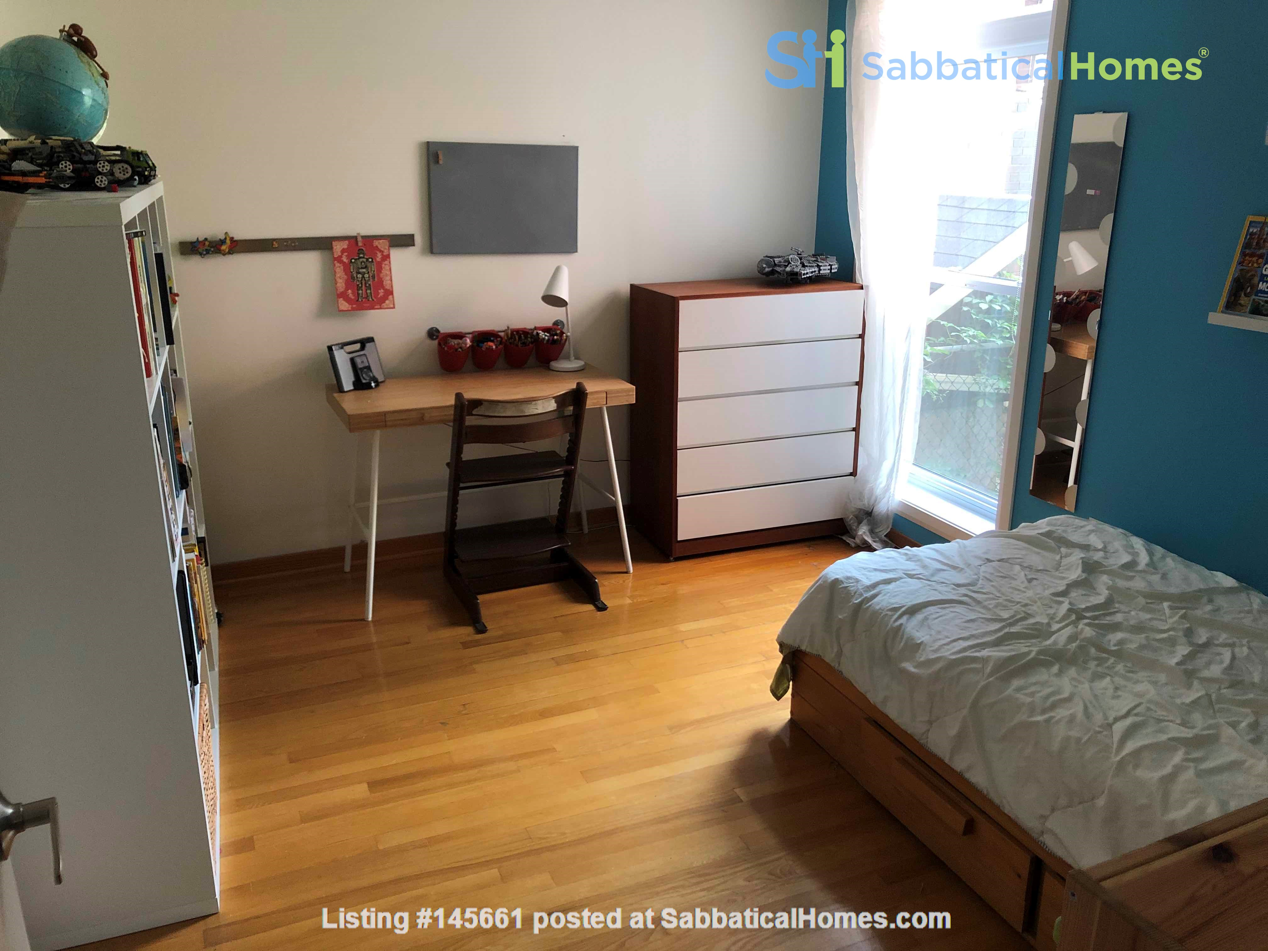 Beautiful fully furnished 2 BR in Vieux-Rosemont Home Rental in Montréal, Québec, Canada 3