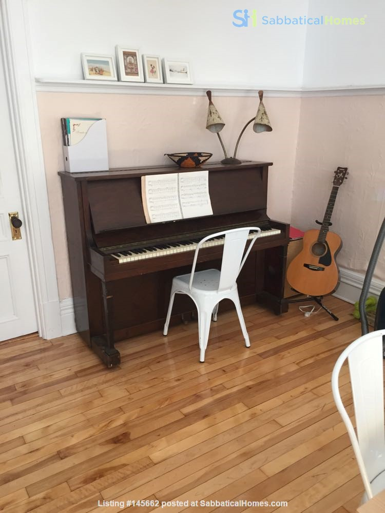 2 bedrooms in beautiful family home centrally located in Plateau Montreal Home Rental in Montreal, Quebec, Canada 7