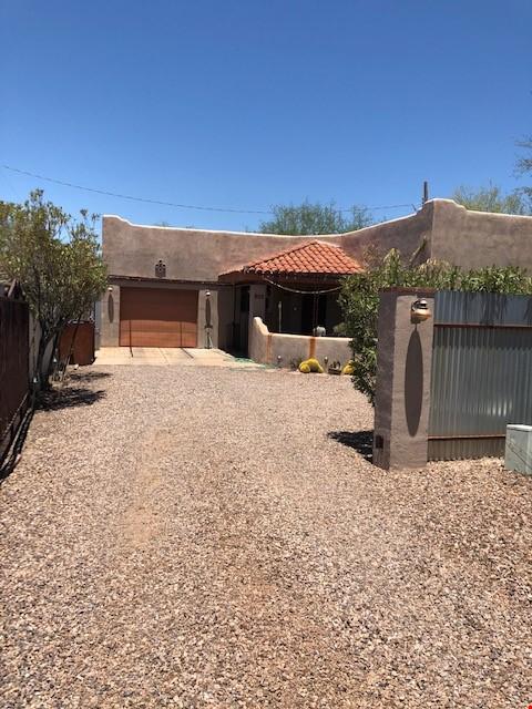 Roomy 2 bedroom 2 bath with beautiful garden. Home Rental in Tucson 4 - thumbnail