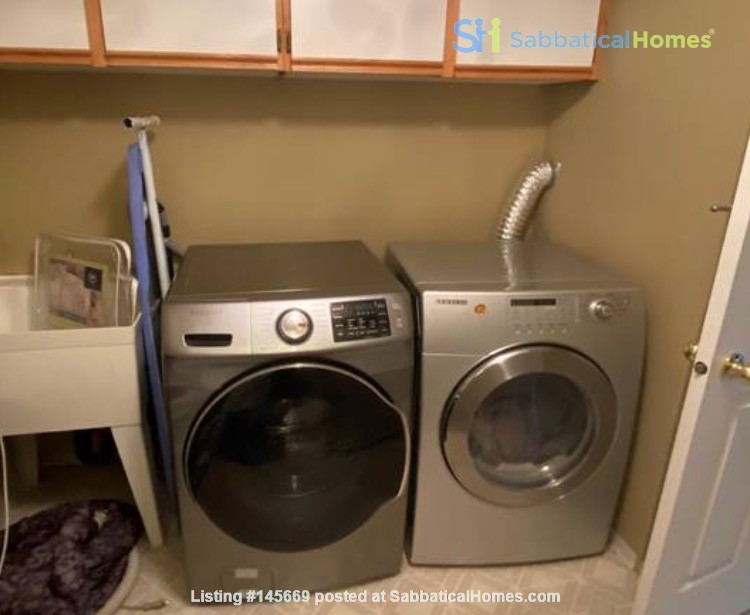 Furnished 1-bedroom home in desirable Main neighbourhood, Vancouver Home Rental in Vancouver, British Columbia, Canada 4