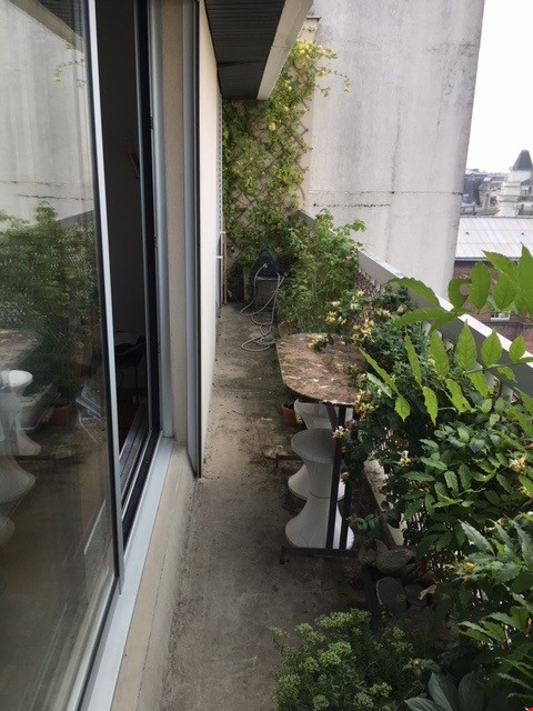 Very large, sunny and quite flat with an amazing view over Paris Home Rental in Paris 0 - thumbnail