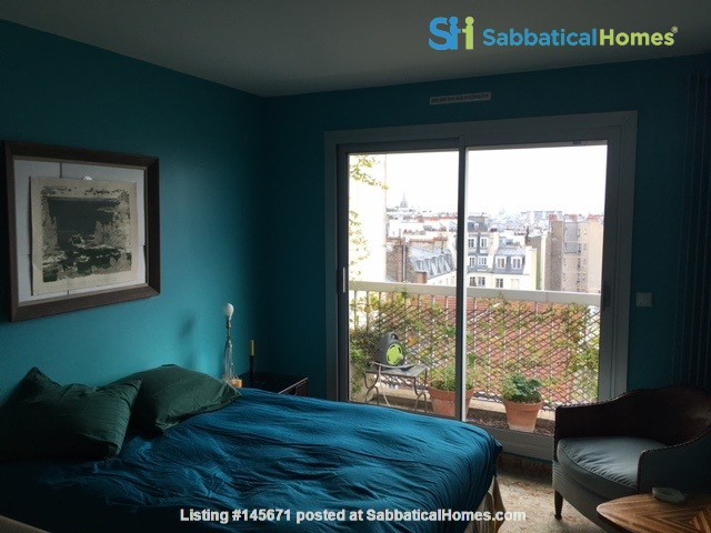 Very large, sunny and quite flat with an amazing view over Paris Home Rental in Paris, Île-de-France, France 3
