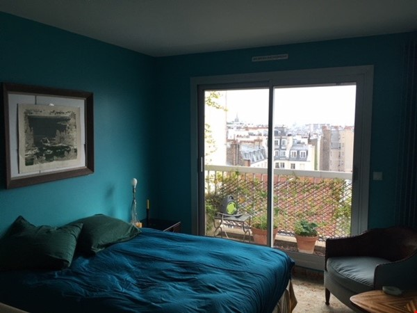 Very large, sunny and quite flat with an amazing view over Paris Home Rental in Paris 3 - thumbnail