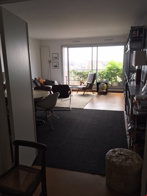 Very large, sunny and quite flat with an amazing view over Paris Home Rental in Paris 2 - thumbnail