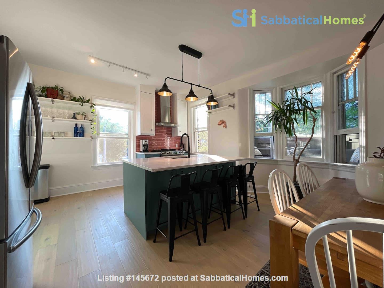 Bright. Spacious. Quiet 3bdrm. Steps to Queen West Home Rental in Toronto, Ontario, Canada 1