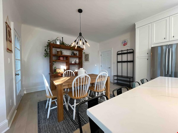 Bright. Spacious. Quiet 3bdrm. Steps to Queen West Home Rental in Toronto 2 - thumbnail