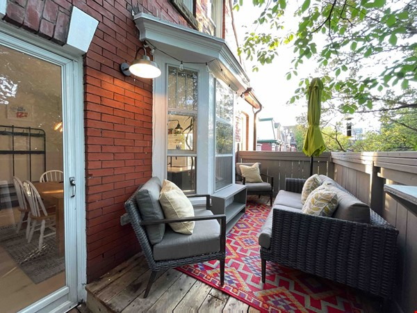Bright. Spacious. Quiet 3bdrm. Steps to Queen West Home Rental in Toronto 3 - thumbnail