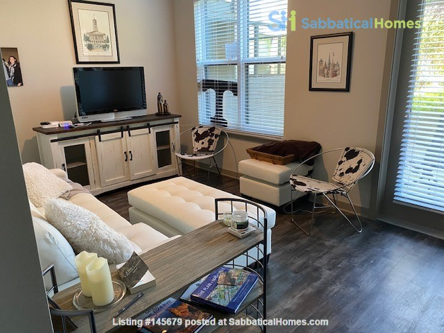 Downtown Nashville Unit-All you need to Bring -clothes and toothbrush Home Rental in Nashville, Tennessee, United States 0