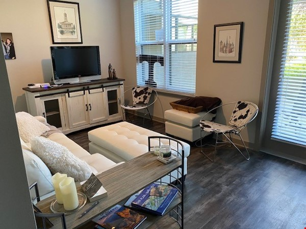 Downtown Nashville Unit-All you need to Bring -clothes and toothbrush Home Rental in Nashville 0 - thumbnail