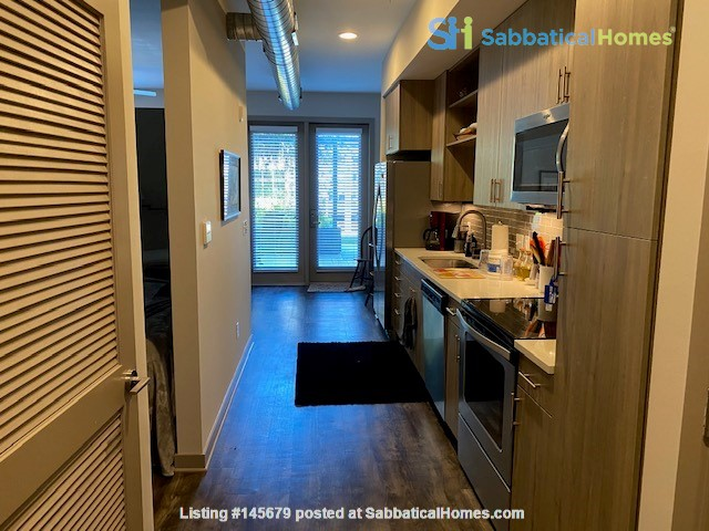 Downtown Nashville Unit-All you need to Bring -clothes and toothbrush Home Rental in Nashville, Tennessee, United States 2