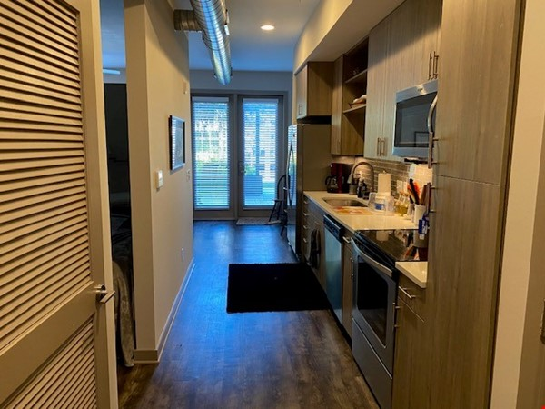 Downtown Nashville Unit-All you need to Bring -clothes and toothbrush Home Rental in Nashville 2 - thumbnail