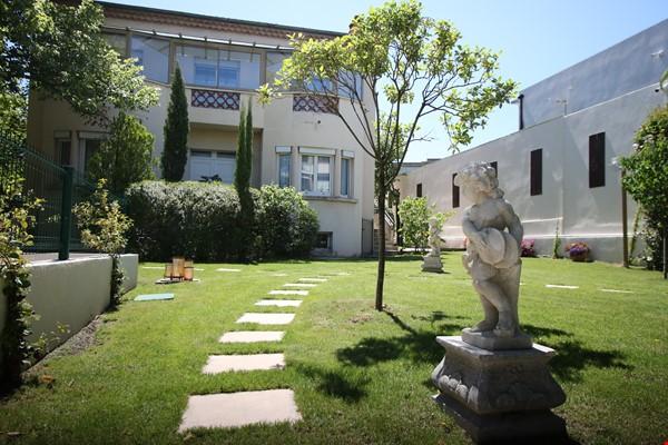 Villa Saint Jérôme modern city center Home Rental in Aix-en-Provence 0 - thumbnail
