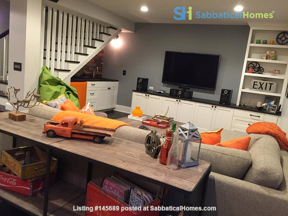Beautifully updated home in West Seattle Home Rental in Seattle, Washington, United States 6