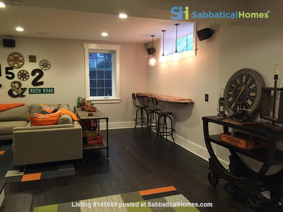 Beautifully updated home in West Seattle Home Rental in Seattle, Washington, United States 5
