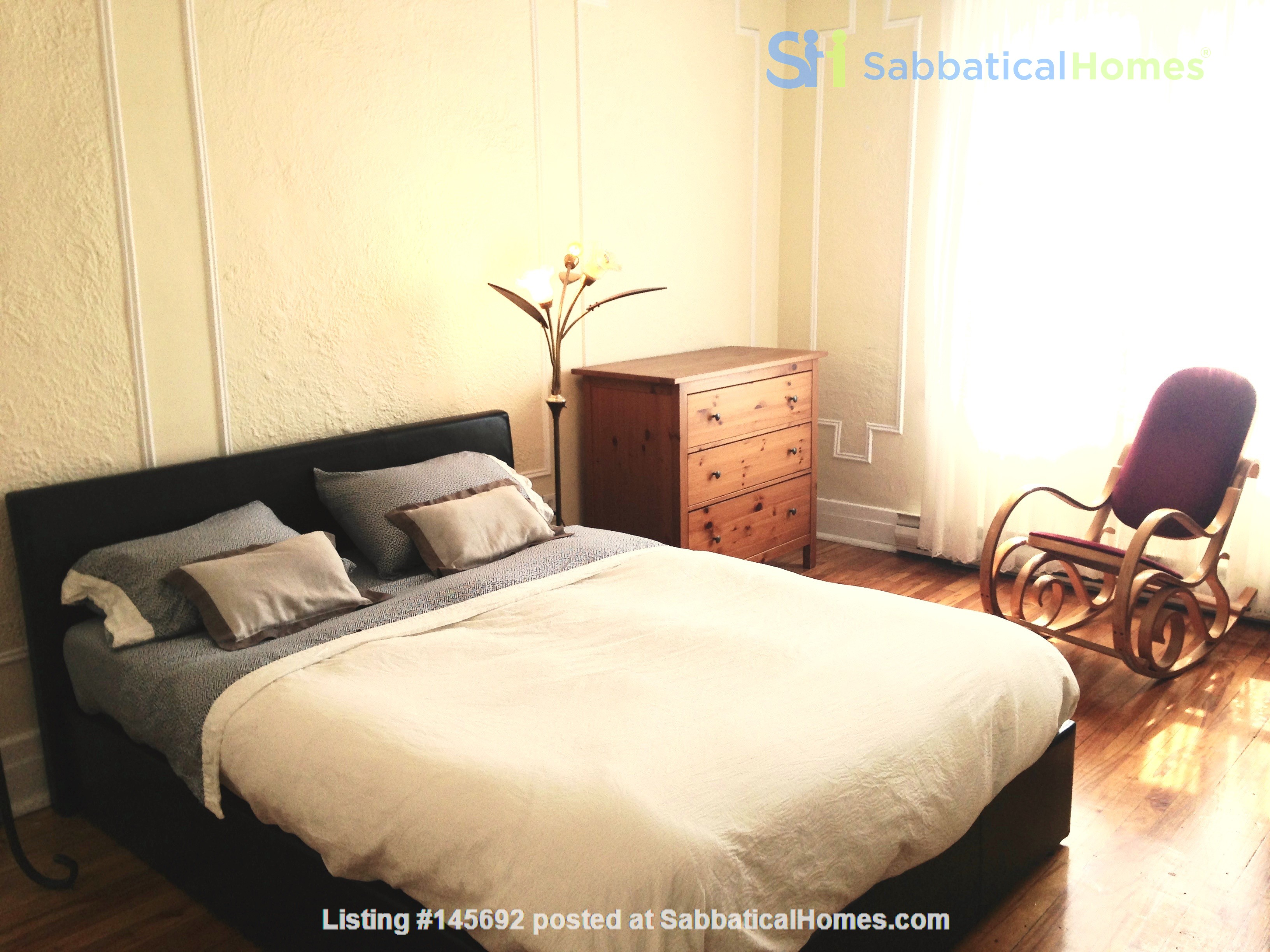 6 1/2 apartment with roof terrace in the heart of the Plateau Mont-Royal Home Rental in Montréal, Québec, Canada 3