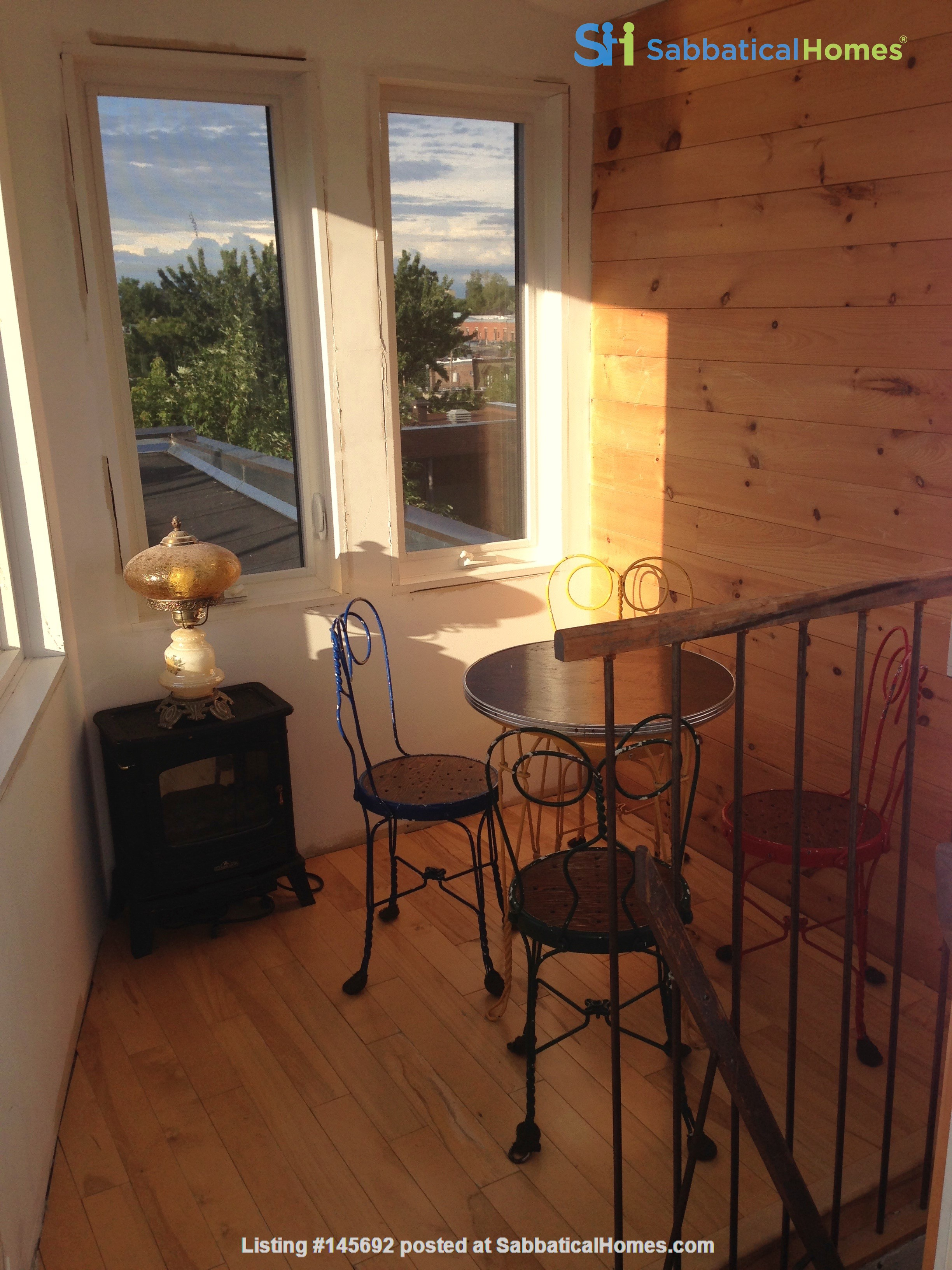 6 1/2 apartment with roof terrace in the heart of the Plateau Mont-Royal Home Rental in Montréal, Québec, Canada 2