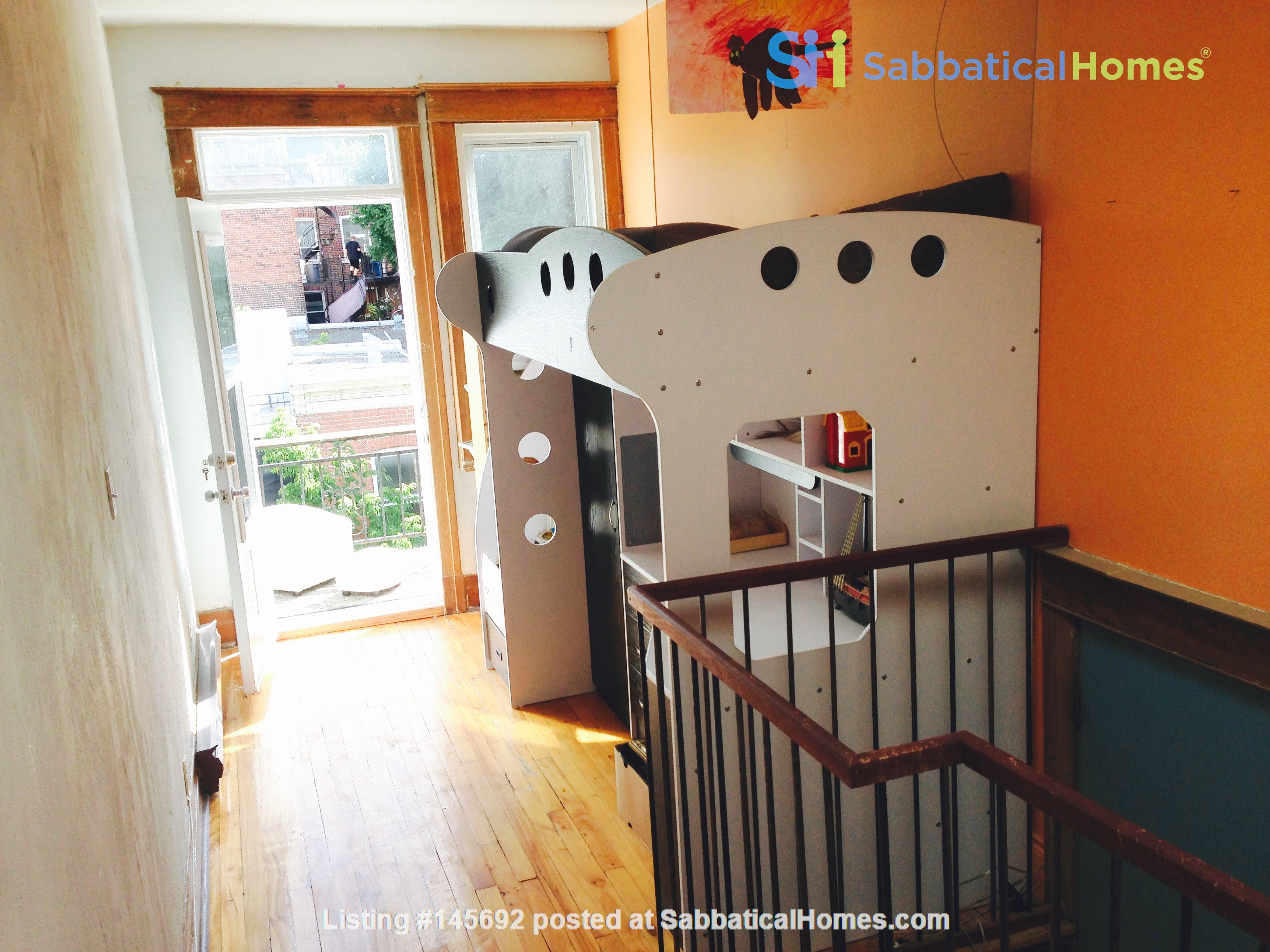 6 1/2 apartment with roof terrace in the heart of the Plateau Mont-Royal Home Rental in Montréal, Québec, Canada 6
