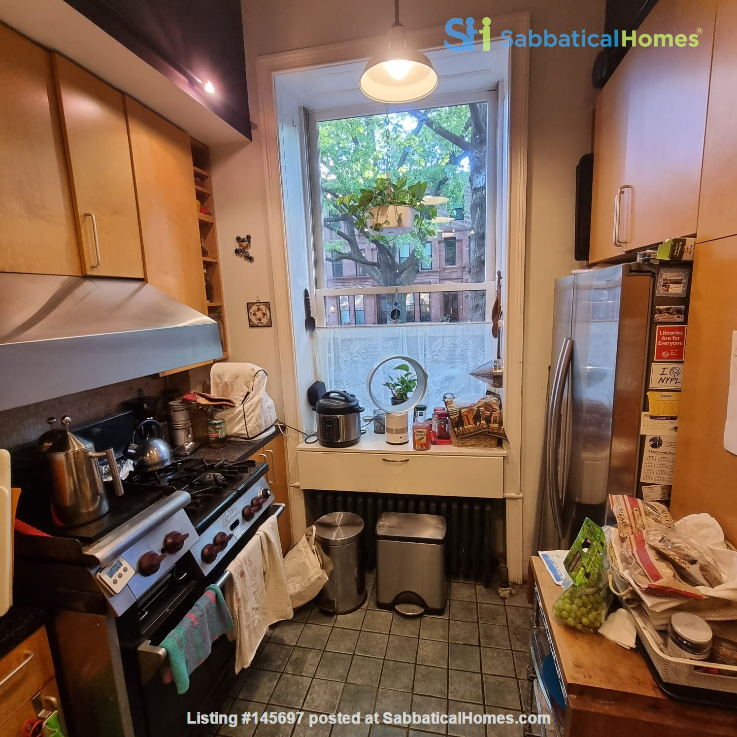 Recently renovated  casually comfortable brownstone Home Rental in Kings County, New York, United States 2