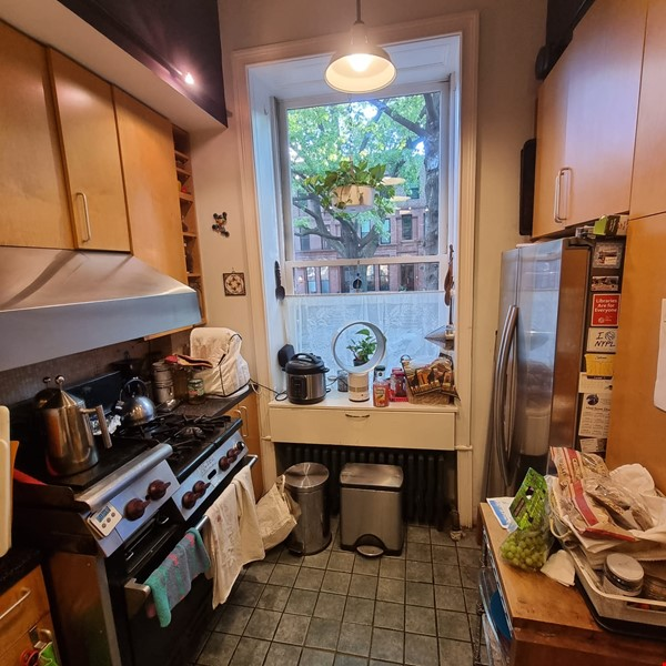 Recently renovated  casually comfortable brownstone Home Rental in  2 - thumbnail
