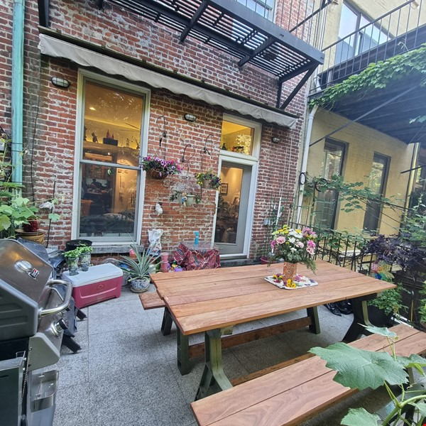 Recently renovated  casually comfortable brownstone Home Rental in  3 - thumbnail