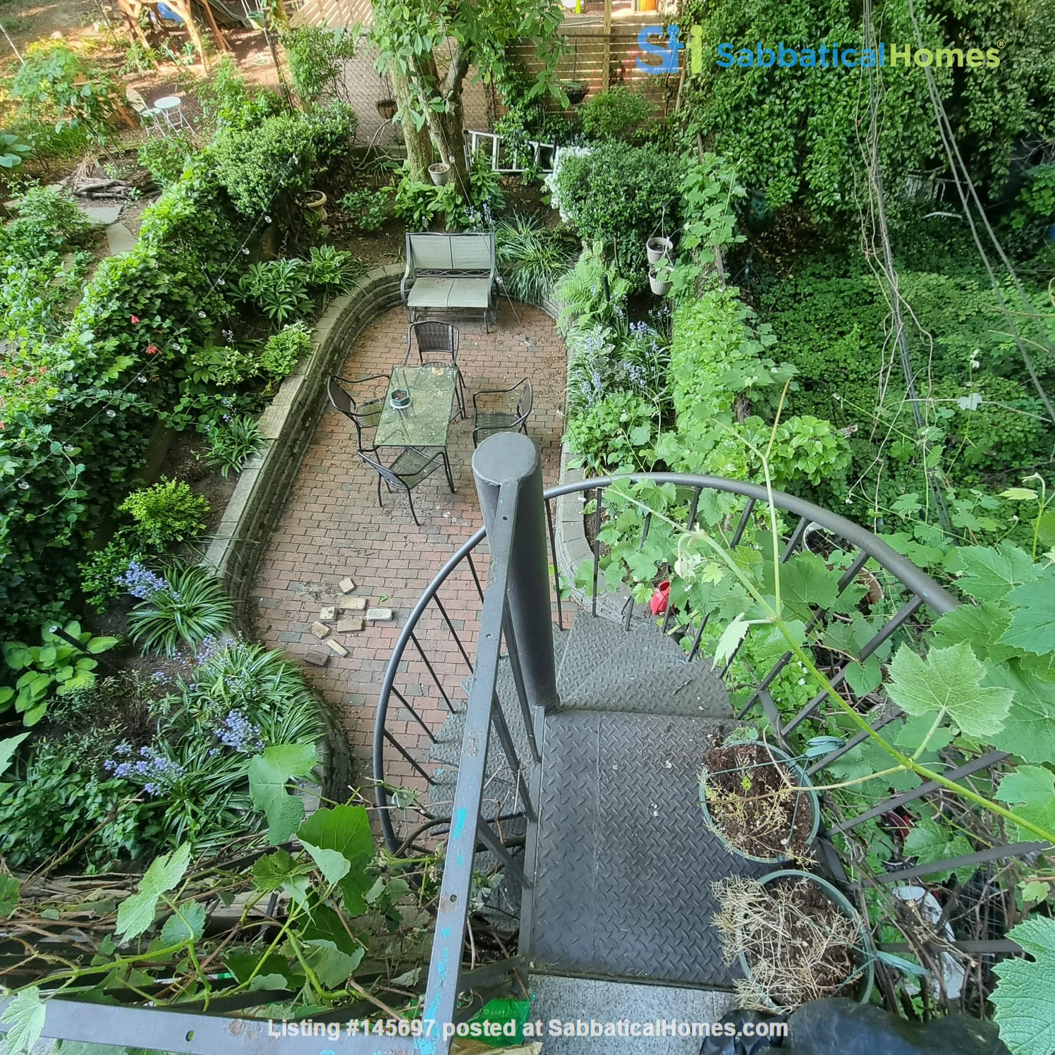 Recently renovated  casually comfortable brownstone Home Rental in Kings County, New York, United States 1