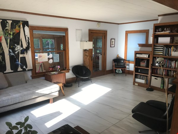 Adorable family home for rent for the 21-22 school year! Home Rental in Des Moines 1 - thumbnail