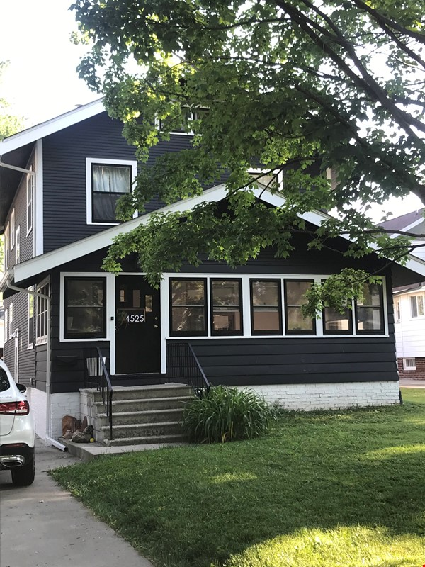 Adorable family home for rent for the 21-22 school year! Home Rental in Des Moines 0 - thumbnail